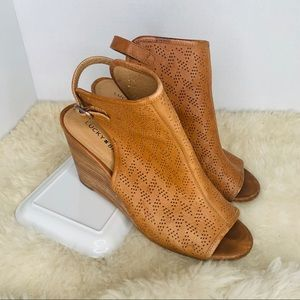 Lucky Brand Wedge Sandal Heels Brown Size 9